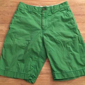 AEO Longer Length Bermudas Chino Shorts Green